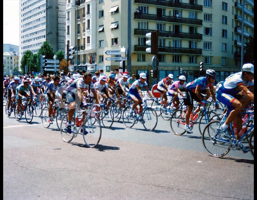 Tour de France 1992 final day finish in Paris