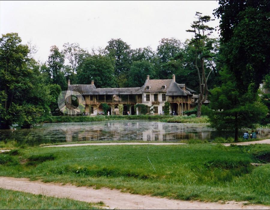 Versailles The Queens Hamlet